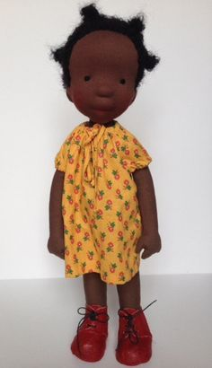 Ali is a one-of-a-kind handcrafted doll. Her head is carefully sculpted from wool (no mould used). The stuffing of the body and limbs is woolen. Doll Crafts, Diy Doll, Realistic Baby Dolls, African American Dolls, Chiffon, Waldorf Dolls, Felt Dolls, Fabric Dolls, Feltro
