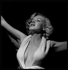 1951 / Marilyn sous l'objectif du photographe Anthony BEAUCHAMP.