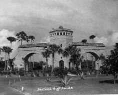 Florida Memory - Tarragona tower - main entrance to Daytona Highlands