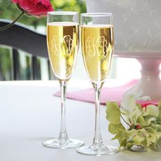 Mr And Mrs Personalized Wedding Toasting Flutes