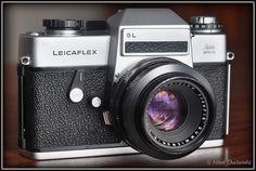 Leicaflex SL with Summicron Leica Camera, Film Camera, Screens, Binoculars, Cameras, Canvases, Camera, Window Screens, Movie Camera