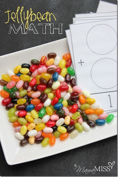 Jellybean Math | Mama Miss #learningfun #homeschool #preschoolmath #candy #halloween