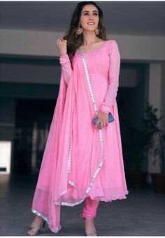 Indian Gowns Dresses, Indian Fashion Dresses, Dress Indian Style, Indian Designer Outfits, Indian Outfits, Indian Designers, Indian Attire, Indian Clothes, Fashion Outfits