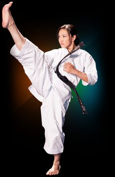 I'm Emmanuel, a 21 year old martial artist from Florida who studies a style of Karate called Shi Tou Sei Do. I have an appreciation and fascination for all martial arts and I plan to learn as much. Muay Thai Martial Arts, Best Martial Arts, Martial Arts Women, Judo, Taekwondo, Shotokan Karate, Karate Kata, Female Martial Artists, Martial Arts Techniques