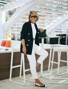 Over 60 Fashion, Mature Fashion, Over 50 Womens Fashion, Fashion Over 50, Classic Outfits, Stylish Outfits, Mode Outfits, Fashion Outfits, Fashion Trends