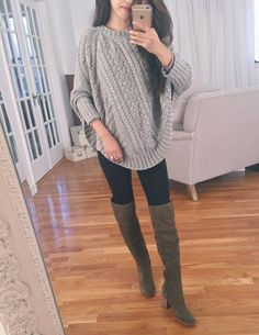 poncho / oversized grey sweater, black skinny jeans, brown over the knee boots Tall Boots Outfit, Winter Boots Outfits, Casual Winter Outfits, Gray Boots, Boot Outfits, Poncho Pullover, Poncho Sweater, Poncho Outfit, Cashmere Poncho