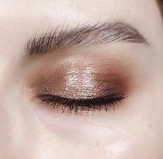 Naked Heat + Pressed glitter pigment = happy KJH I used the Naked Heat palette with lots of Pressed glitter in Sparkler and some Haloscope in Moodstone Kiss Makeup, Love Makeup, Simple Makeup, Makeup Inspo, Makeup Inspiration, Makeup Tips, Makeup Looks, Hair Makeup, Makeup Lessons