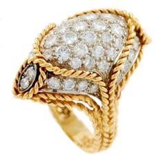 TIFFANY & Co. Yellow Gold nd Diamond Ring . Circa 1970s
