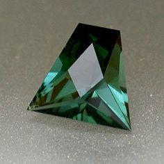 New Jewellery Design, Unique Jewelry, Nature Secret, Green Tourmaline, Minerals, Rocks, Old Things, Fashion Jewelry, Fancy