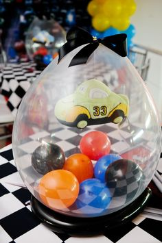 Decoração de festa infantil: tema Carros. www.festascriativ... Brasília/DF.