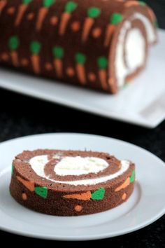 Easy Easter carrot roll cake. I love how simple it is to get those carrots on there!