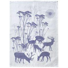 De schitterende keukenhanddoek Deer heeft het patroon met herten die grazen in een mooie weide van Susanne Schjerning.