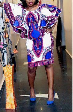 Fabriqué à partir d'un tissu africain dashiki bleu belle, cette robe mesure 61. Avec poches à l'encolure et côté plongez, c'est une robe que vous ne voulez pas manquer. Autres options de couleur disponibles. Si vous souhaitez plutôt fournir une taille personnalisée, s'il vous plaît