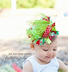 Hey, I found this really awesome Etsy listing at http://www.etsy.com/listing/116304622/merry-grinch-mas-over-the-top-hair-bow