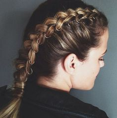 holiday hairstyles Holiday Hair Inspiration From I - holiday Couleur Ombre Hair, Pretty Hairstyles, Braided Hairstyles, Hairstyle Ideas, Holiday Hairstyles, Hair Game, Hair 2018, Facon, Hair Hacks