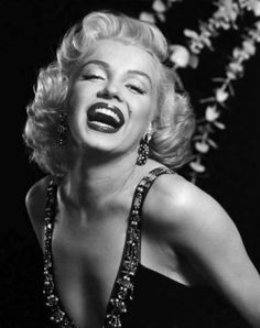 Wedding Photos Discover Marilyn Monroe laughing black and white dancing candid photo 1950 Some Like it hot vintage photography picture print fine art Black And White Picture Wall, Black And White Wallpaper, Photo Black, Black And White Pictures, Black And White Effect, Black And White Models, Black White, Black Image, Aesthetic Photo