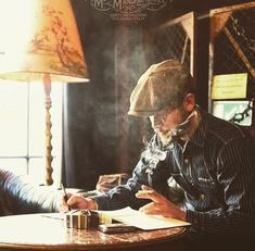 You love the gentlemens lifestyle? Then check us out on. Informations About You love the gentlemen Rugged Style, Denim Vintage, Vintage Fashion, British Style Men, David Beckham Style, Just Style, Boy Photography Poses, Mans World, Collar Styles