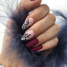 Looking for easy nail art ideas for short nails? Look no further here are are quick and easy nail art ideas for short nails. Classy Nails, Stylish Nails, Simple Nails, Cute Nail Designs, Acrylic Nail Designs, Gorgeous Nails, Pretty Nails, Nagel Hacks, Burgundy Nails