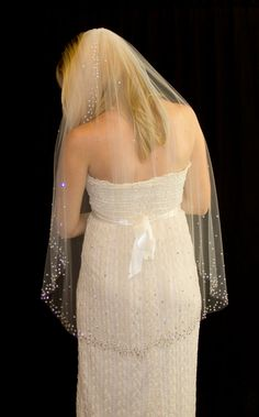 24660d177f Bridal Veil with Crystal Edge and Scattered Crystals