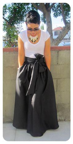 Maxi Skirt Look -- mimi g.: DIY Maxi Skirt.....AGAIN...................I LOVE LOVE LOVE this skirt. Have to have this!!!!!