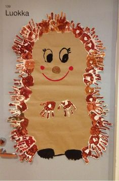 Top 40 Examples for Handmade Paper Events - Everything About Kindergarten Autumn Crafts, Fall Crafts For Kids, Toddler Crafts, Diy For Kids, Kids Crafts, Diy And Crafts, Arts And Crafts, Decoration Creche, Hedgehog Craft