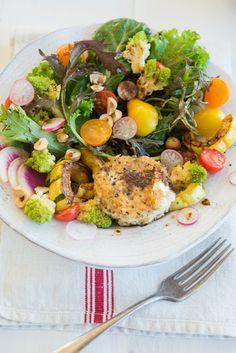 Wild Greens and Sardines : Black Garlic Vinaigrette Spirulina, Tahini, Tofu, Real Food Recipes, Cooking Recipes, Garlic Uses, Steak And Shrimp, Curry, Salads