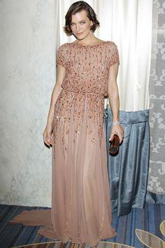 Le 11 février dernier, l'actrice assistait aux Academy Of Motion Picture Arts And Sciences 2012, vêtue d'une robe Elie Saab haute couture de la collection automne-hiver 2011-2012.