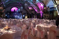 Here at Discovery Museum we can offer you and your guests an exclusive and alternative wedding venue in Newcastle upon Tyne for your ceremony and reception. Got Married, Getting Married, Museum Wedding Venues, Alternative Wedding Venue, Discovery Museum, Cool Rooms, Wedding Shoot, Perfect Place, Reception