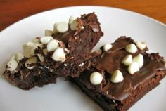 brownies with choc. frosting and white choc. chips
