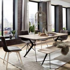 Jídelní stůl s masivní dřevěnou deskou. 2 varianty materiálového provedení stolní desky: dub divoký masiv, olejovaný nebo dub bělený masiv, olejovaný. Podnoží: kovové, lakované ANTIK. Dining Room Table, Dining Chairs, Modern Table, Eclectic Decor, Industrial Furniture, Industrial Interiors, Industrial Design, Bohemian Decor, Furniture Makeover