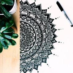 40 Beautiful Mandala Drawing Ideas & How To – Brighter Craft – Mandala Design – mandala Mandala Doodle, Mandala Art Lesson, Zen Doodle, Mandala Sketch, Henna Mandala, Doodle Art Drawing, Zentangle Drawings, Zentangle Patterns, Drawing Ideas