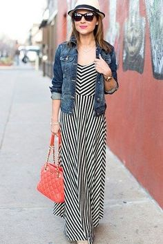 17 Super Useful Styling Tips For Women Under Love this pretty striped maxi dress with a jacket or cardigan for layering. Need to get a soft jean jacket, don't want one that feels restrictive. Petite Outfits, Casual Outfits, Cute Outfits, Winter Outfits, Spring Outfits, Look Fashion, Fashion Outfits, Womens Fashion, Fashion Tips