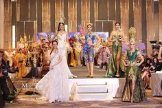 Miss Universe Thailand 2016 Creative Thai Costume Round