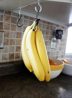 Why waste money and counter space on a banana tree?  Organization made easy and inexpensive.