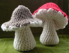 ˜Crocheted mushrooms on Ravelry