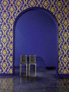 """Versace - Prachtige sjablonen, veel goud en edele materialen zijn kenmerkend voor Versace, evenals de bijna embleemachtige, klassieke decoraties """"Green Key"""" en """"Barocco"""""""