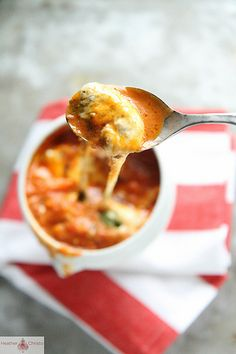 Caprese Soup--if you like tomato soup, mozzarella cheese, basil, & garlic, you will LOVE this soup!