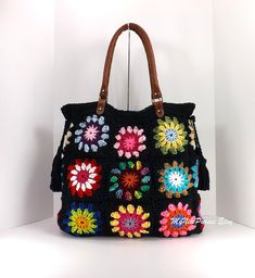 Crochet granny squares handbag with tassels and por Avaneska