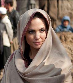 chelebelleslair:  Angelina Jolie in Afghanistan on behalf of the UN.  your memory