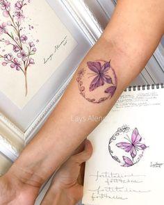 Tatuagem de borboleta: 200 ideias para ficar com vontade de tatuar Pretty Tattoos, Love Tattoos, Beautiful Tattoos, New Tattoos, Tattoos For Women, Butterfly Wrist Tattoo, Wrist Tattoos, Arm Tattoo, Body Art Tattoos