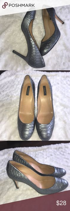 Ann Taylor grey snakeskin heels PUMPS size 11 M Good pre owned condition small signs of wear. Cute and comfortable size 11 medium Ann Taylor Shoes Heels