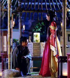 The Great Queen Seondeok (2009) - Lee Yo Won (queen) & Kim Nam Gil (Bidam) great #KDrama #Korean #CostumeDrama