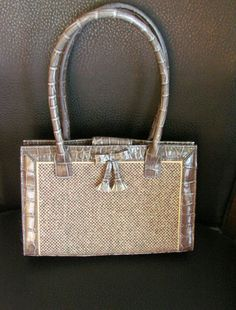 """JoysShop is pleased to present for consideration this lovely #vintage Liz Claiborne designer handbag for your consideration.  The purse is signed """"Liz Claiborne Accessories""""... #jewelry #vjse2"""