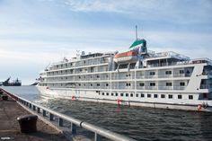 Pour celles et ceux qui n'ont pas eu la chance d'assister au premier accostage du Pearl Mist à Sept-Îles, voici  un cliché qui immortalise ce moment! #PearlMist #SeptÎles #PearlSeasCruises #Croisiere #Cruiseship #Cruise #PortSeptÎles