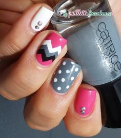 #nail #nails #nailart #lapaillettefrondeuse #chevron #dotticure #pink #grey