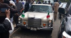 Governor Ayodele Fayose this morning rode his Mercedes Benz vintage to the Supreme Court where PDP's chairmanship tussle ended this morning. Ahmed Makarfi emerged as the chairman of PDP. Ahmed Markarfi is the chairmanship choice of the governor.