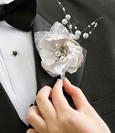 Lillian Rose Chic and Shabby Boutonniere, 1.75-Inch Lillian Rose http://www.amazon.com/dp/B00G11AORG/ref=cm_sw_r_pi_dp_U5hbxb06T6G43