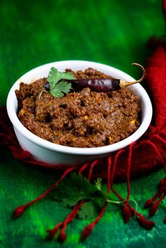 Red #Curry Paste Made with Dried Red #Chilies: Healthy & a Great Way to Use Dried Chiles | #driedchilies #currypaste #redcurry #thaicurry #homemade