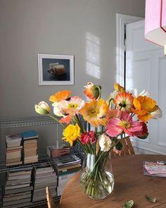 Flower Aesthetic, Flowers Nature, My Flower, Planting Flowers, Floral Arrangements, Beautiful Flowers, Room Decor, Table Decorations, Ideas
