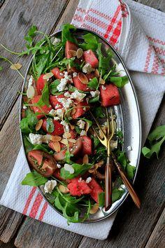 LA COCINA DE BABEL: Ensalada de tomate y sandia con queso feta y almendras {#ponunaensalada #recetasconfruta}